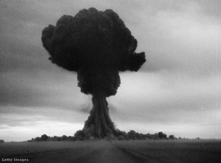 Az első szovjet plutóniumbomba, az RDS-1 gombafelhője Kazahsztán felett