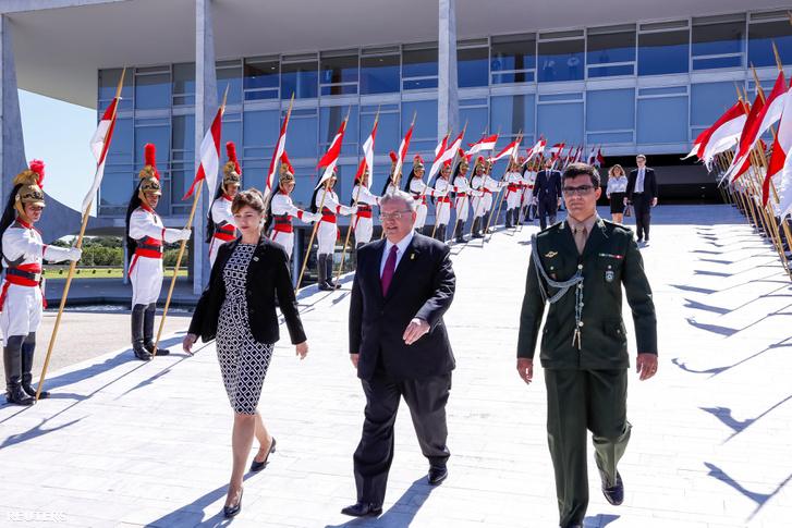 Kiriakosz Amirdisz, a brazil elnökkel, egy ünnepség után 2016 májusában.