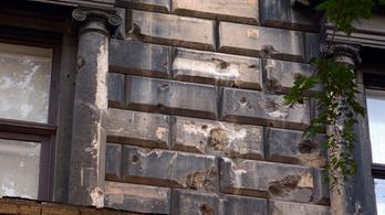 Budapest tele van 56-os emlékművekkel