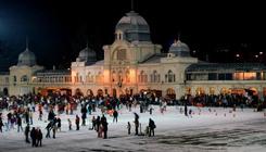 Jelmezes jégkarnevált tartanak a városligeti műjégpályán