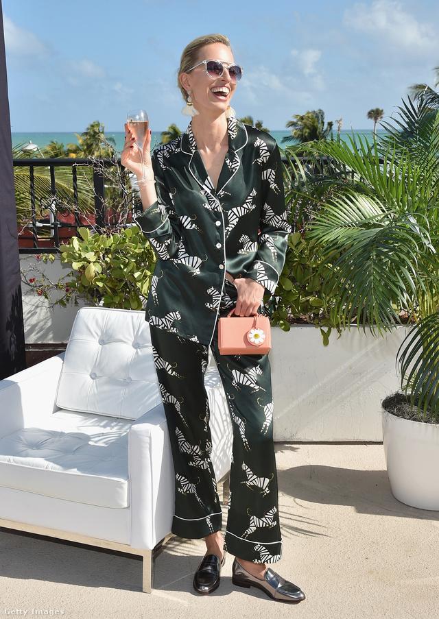 Karolina Kurkova egy Miamiban tartott bulin jelent meg pizsamában 2016 novemberében.