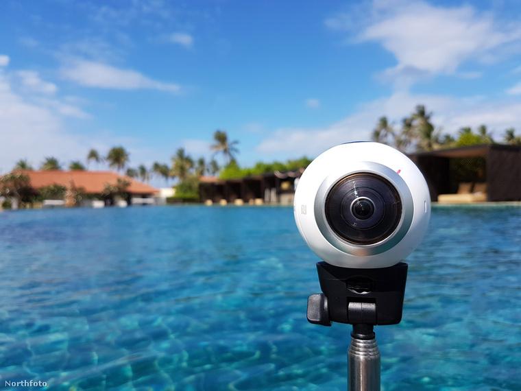 És ez az a kamera, amivel a különleges panorámafotókat készíti