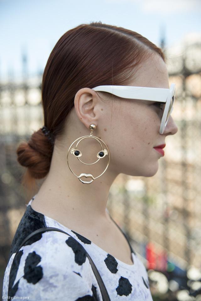Az orosz divatblogger, Evgeniya Gvozdeva a Bershkában szerezte be ezt a mókás fülbevalót.
