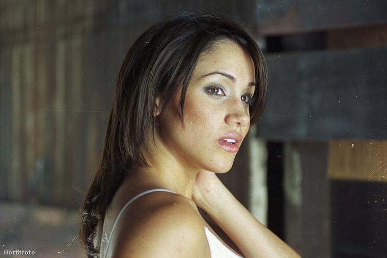Időutazásunk most 2003-ba visz, amikor is Meghan Markle színésznő 22 éves volt
