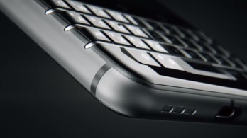A Blackberry ragaszkodik a fizikai billentyűzethez