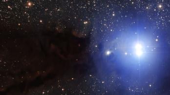 Rejtélyes rádiókitörést észleltek egy két és fél milliárd fényévre lévő galaxisból