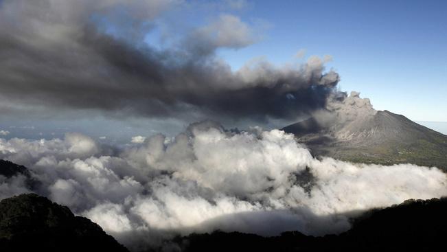 Újra aktív Costa Rica fővárosközeli vulkánja