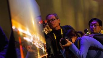 A Sony is ultravékony tévével rukkolt elő a CES-en