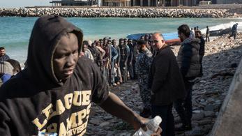 Olaszország helyett Líbiában értek partot a menekültek
