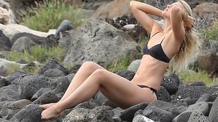Akkor most nézegessünk bikinis képeket Marija Sarapováról