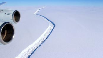 Bármikor leszakadhat egy 5000 négyzetkilométeres jégtömb az Antarktiszról