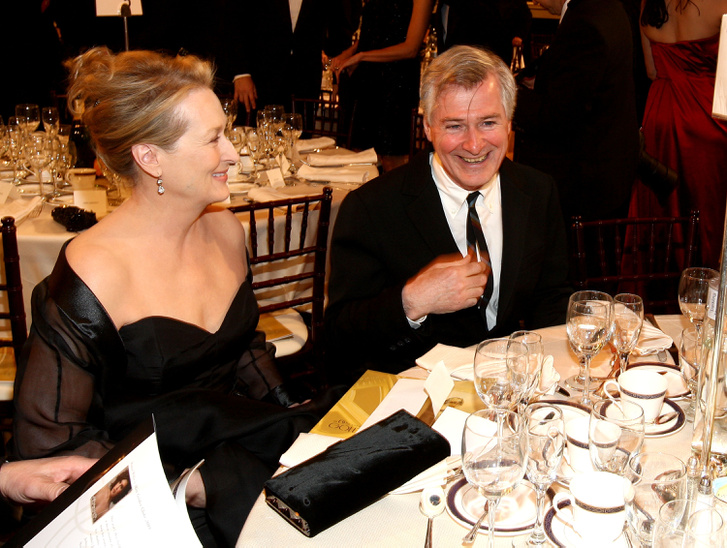 Az idén életműdíjat kapó Meryl Streep a képen épp John Patrick Shanley rendezővel a 2009-es gálán.