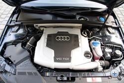 A motorburkolat alatt milyen technika rejtőzik?