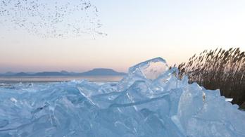 Vastag, de nem biztonságos a Balaton jege