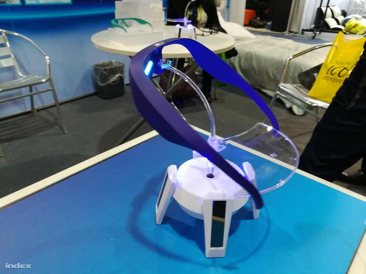 A Pegasi alvásjavító szemüveg kék fénnyel szabályozza a melatoninszintet.