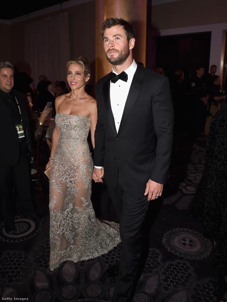 Amíg Chris Hemsworth és felesége, Elsa Pataky a Golden Globe-on voltak, addig gyerekeik otthon rajongtak a díjat átadó apjukért