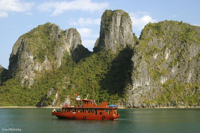 Kis piros hajón ki a civilizációból