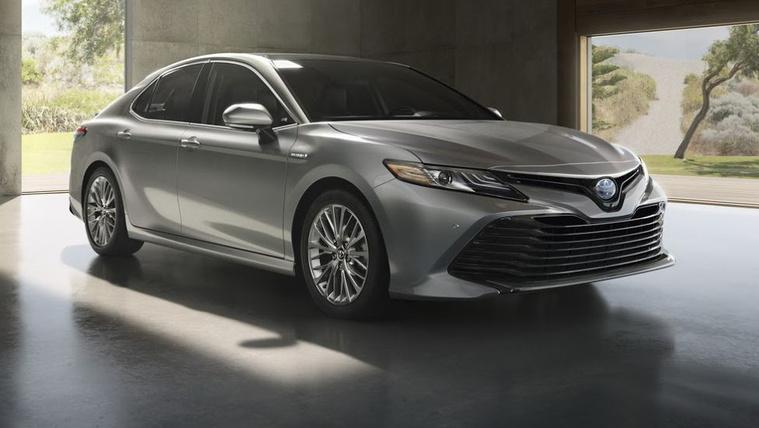 A Camry válthatja a Toyota Avensist
