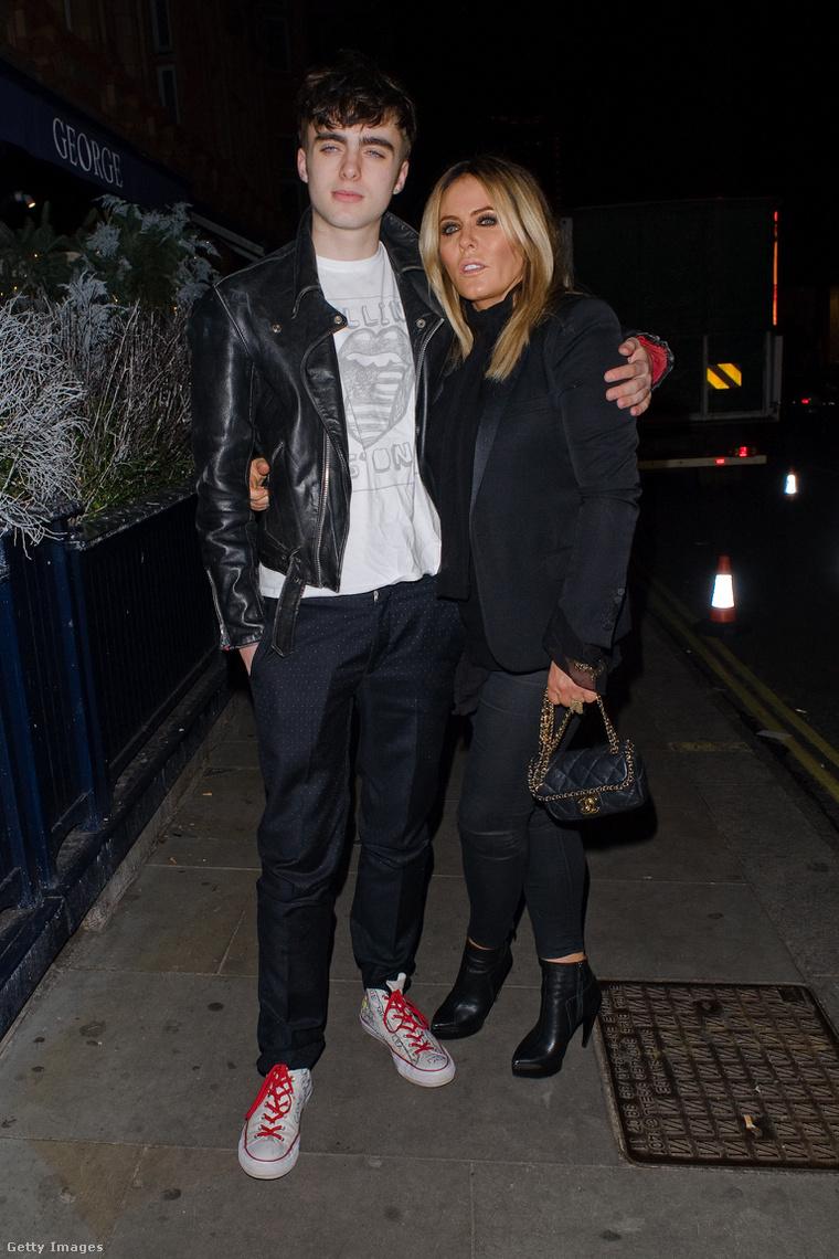 Lennon Gallagher és édesanyja, Patsy Kensit.