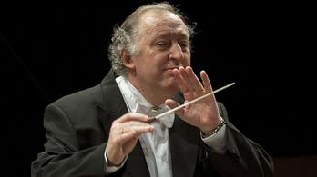 Francia Becsületrenddel tüntetik ki Csaba Péter karmestert