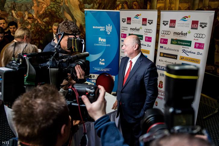 Bienerth Gusztáv a csütörtöki sajtótájékoztatón