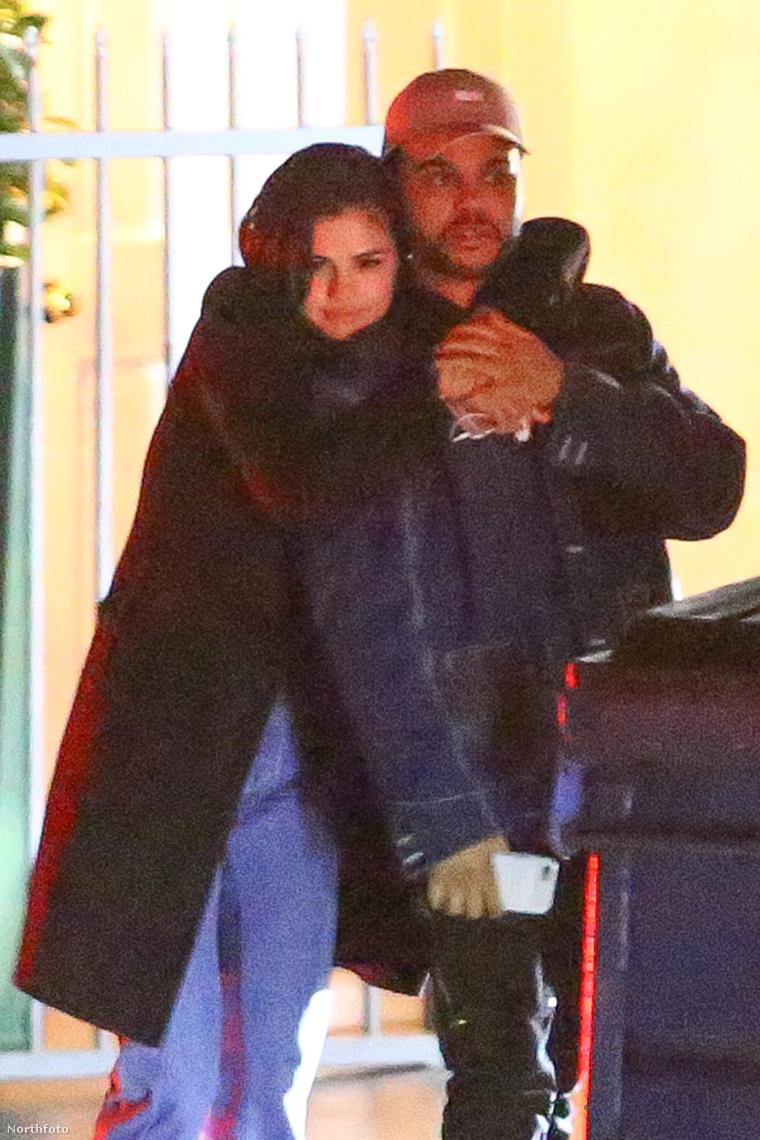 Gomez és Weeknd.
