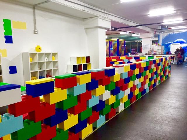 Play+area+wall+2