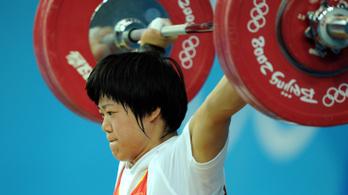 Kína hormonnal tömte női súlyemelő olimpiai bajnokait