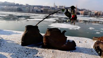 A Cipők a Duna-parton holokauszt emlékműve is szerepel a világ legjobb köztéri szobrai között