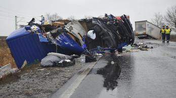 Hat megyében korlátozzák a teherautó-forgalmat