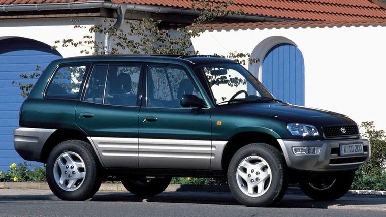 Az összkerekes személyautók gyártása nem az első dolog, ami eszünkbe jut a Toyotáról, mert igaz, hogy a terepjáróik és pickupjaik verhetetlenek, itthon mégsem gyakran látunk 4x4-es Corollákat
