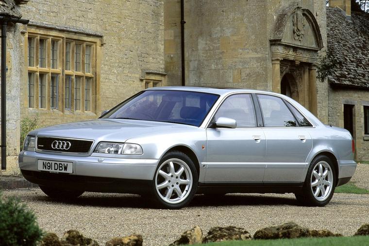 Ha összkerekes személyautó, akkor sokaknak ugrik be az Audi valamelyik Quattro modellje