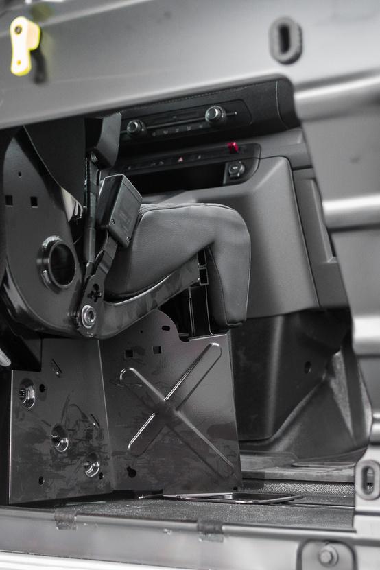 A Ford mágneses ajtaja praktikusabb