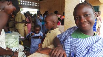 Gyerekek túlélő üzemmódban: iskolaudvar ebola után