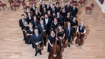 A Bécsi Filharmonikusok csellistája is vezényel Sopronban