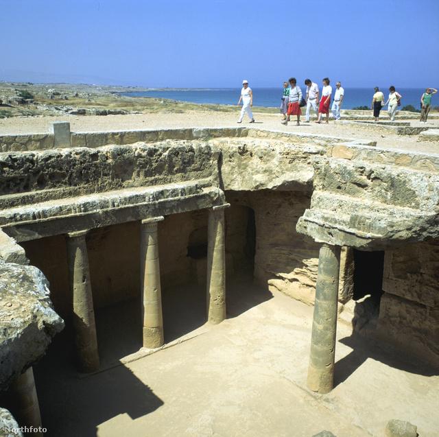 Pafosz bővelkedik ókori leletekben, ez itt a Királyok sírja