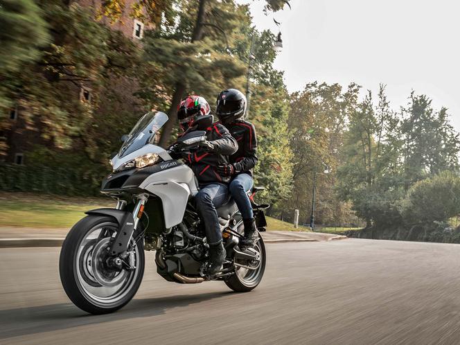 2017-Ducati-Multistrada-950-01
