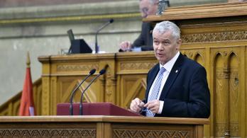 Ügyészség: Tizenkétezren loptak a magyar államtól