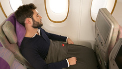 Pillepalackból készült plédet kapnak az Emirates utasai