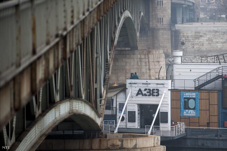 Az A38 a fővárosi Petőfi hídnál.