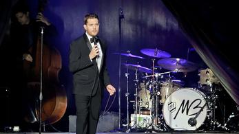 Michael Bublé lemondta a Brit Awards vezetését kisfia rákja miatt