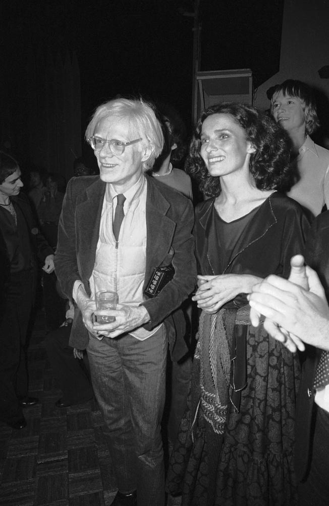 Az önfelfedezés időszakaItt 1978-ban együtt bulizott Andy Warhollal is a híres New York-i klubban