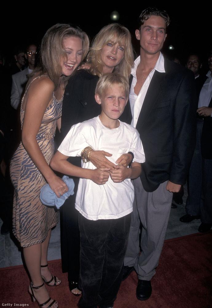 És azt se felejtsük el, hogy a szülei sem akárkik:Goldie Hawn és Kurt Russell!