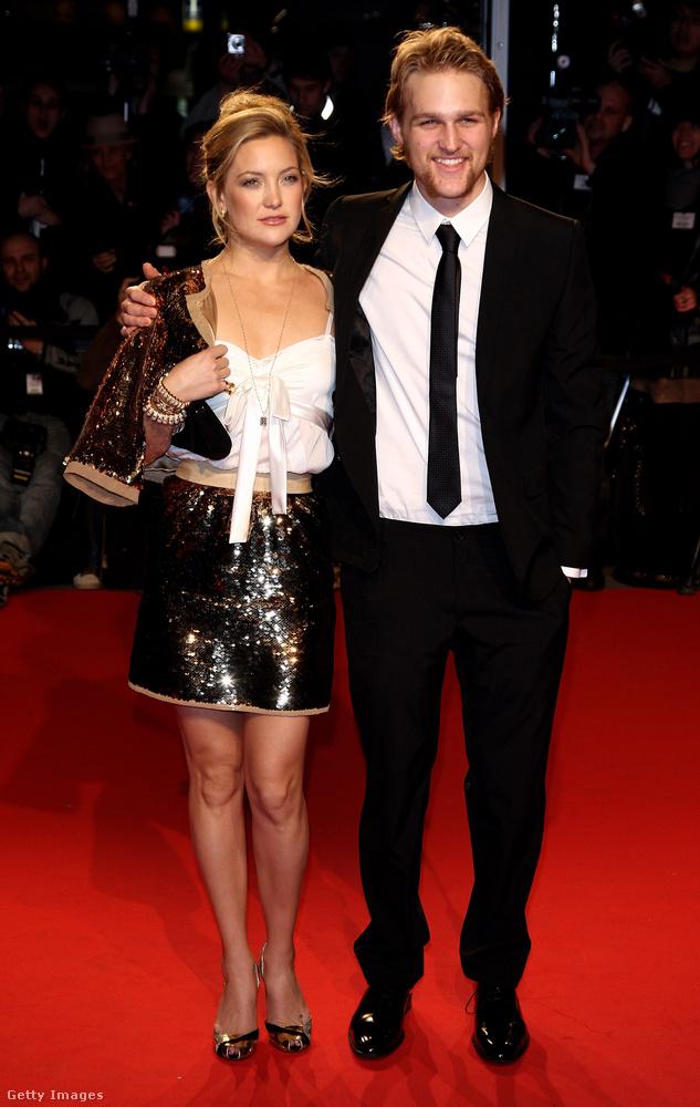 A 37 éves Kate Hudsonnak is van egy féltestvére, őt úgy hívják, hogy Wyatt Russell