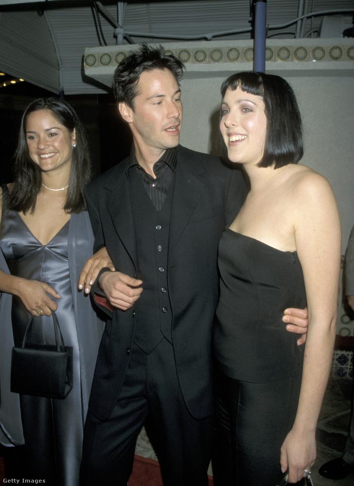 Van egy másik színész, akinek szintén két nővére van