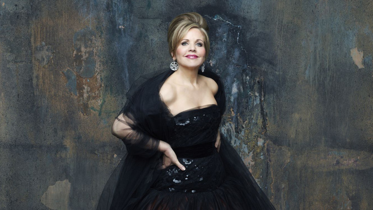 Sütemény-, parfüm-, virág- és világmárka: Renée Fleming Budapesten