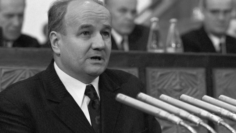 Titokban temették el az egykor rettegett első titkárt Szegeden
