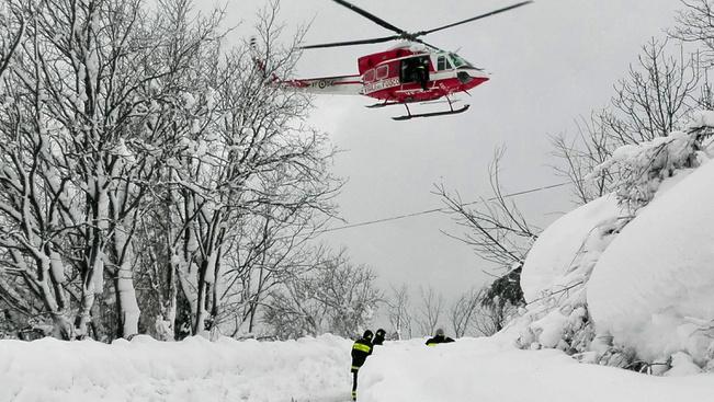 Áldozatokat szedett a lavina egy olasz hegyi szállóban
