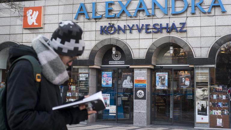 Az Alexandrán marakodó milliárdosok kivéreztethetik a könyvszakmát