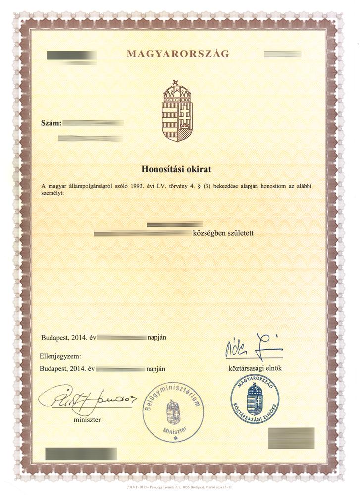 Honosító okirat. Jól látható, hogy nincs kép a dokumentumon, mindössze egy név és születési hely szerepel rajta.